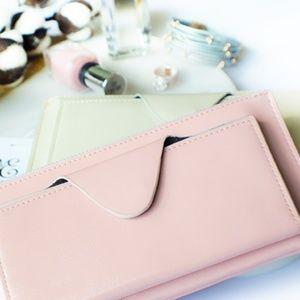 Handbags - 🆓🎁 Millennial Pink/Ivory Leather Wristlet..
